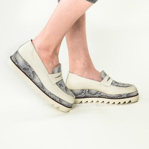 Pantofi din piele naturala ivoire Roberta