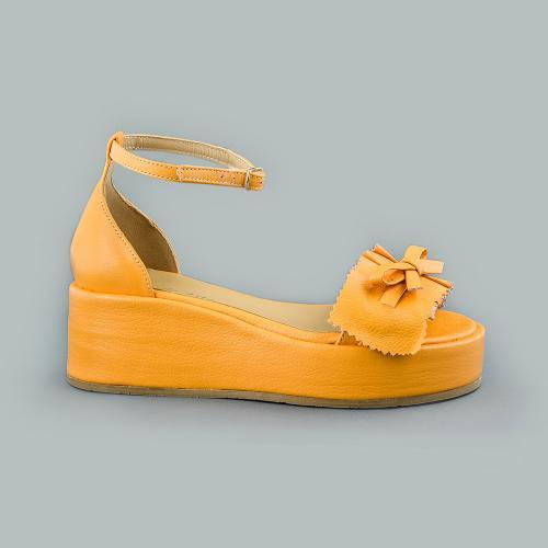 Sandale din piele naturala galbena Sonia